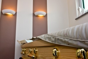 Bestattung in Neuwied: Abschied nehmen am Sarg